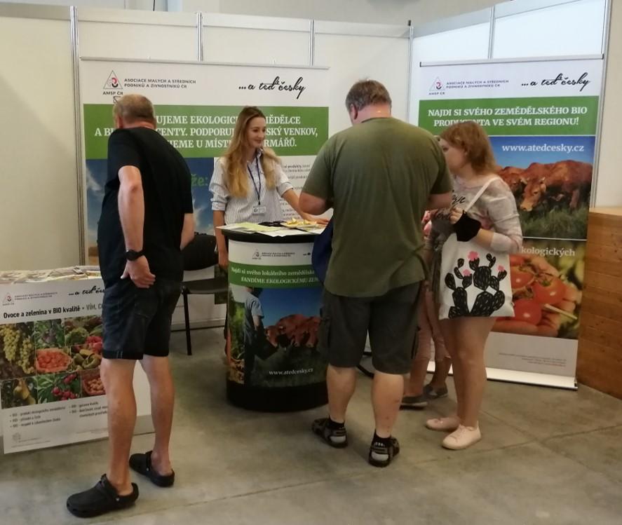 Roadshow …ateď česky! se stánkem na podporu drobných ekologických zemědělců zahájena!